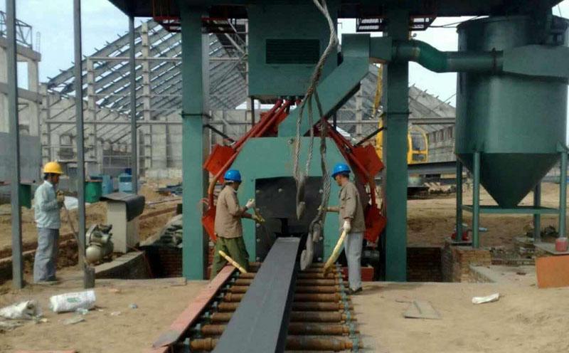 河北唐山用户的钢结构通过式抛丸机安装调试